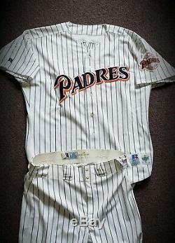 1998 San Diego Padres Tony Gwynn Signed GAME USED WORN Jersey Uniform AUTO LOA