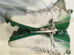 Oregon Ducks signed Game used worn football cleats Royce Freeman Denver Broncos