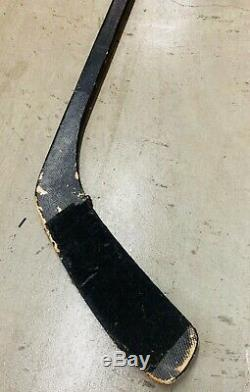 Zdeno Chara Boston Bruins Game Used Autographed Hockey Stick Vic Auto