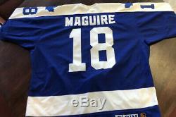1991-1992 Kevin Maguire Toronto Maple Leafs Jeu Utilisé Autographed Jersey