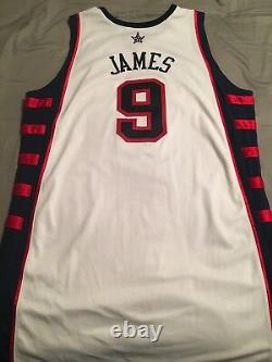 2003-04 Lebron James Jeu Worn/used Signed Team USA Jersey Rookie Rc Uda Grade 9