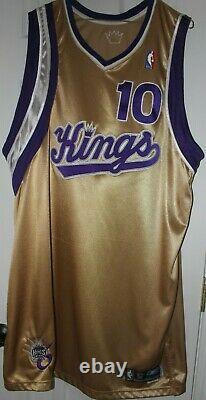 2005-06 Mike Bibby Jeu Utilisé Or Alternate Sacramento Kings Jersey, Autographié