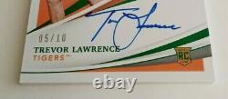 2021 Immaculé Trevor Lawrence Rpa Rookie Sur Carte Auto 5/10 Ssp-game Utilisé Rc
