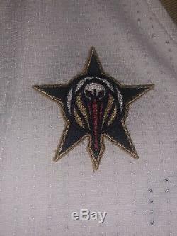 Demarcus Cousins jeu Utilisé Porté Guerriers Autographiés Jersey Jersey Pélicans Nouvelle-orléans