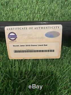 Derek Jeter Des Yankees De New York Jeu Utilisé Bat 2010 Signé Steiner Loa