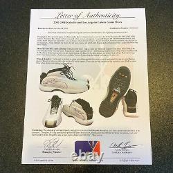 Kobe Bryant A Signé 2000 Jeu De Baskets Usées Chaussures Psa Dna & Sports Investors Coa