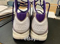 Kobe Bryant Double Jeu D'occasion Autographié Signé Worn Nike Kobe IV Chaussures Pleine Loa