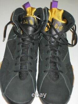 Kobe Bryant Signé Game Utilisé Rare Air Jordan 7 Chaussures De La Saison 2002-2003