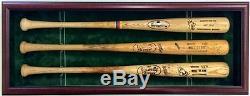La Vitrine Des 3 Battes De Baseball Contient Des Chauves-souris Signées Et Autographiées