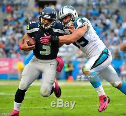 Le Jeu De Recrue Luke Kuechly Des Panthers De La Caroline A Utilisé L'autographe Signé De NFL De Taquets Roses