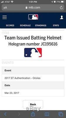 Mark Trumbo Baltimore Orioles Équipe Publié Batting Casque Jeu Utilisé Worn Signé