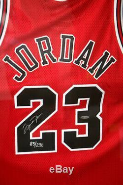 Michael Jordan'98 Finales L. E. Signé Jersey Utah Final Jeu Utilisé Sol Uda