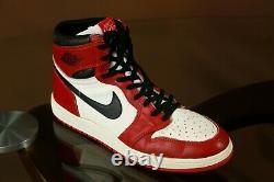 Porte-jeux Nike Air Jordan 1 Baskets Michael Jordan Signé 1985 Saint Graal! Utilisé