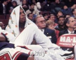 Rare Dennis Rodman Signé Jeu Utilisé Chicago Bulls Gatorade Player Towel Psa