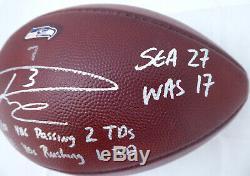 Russell Wilson - Jeu De Football Autographié Et Signé Par Les Seahawks - Utilisé 10/6/14 Rw 36228