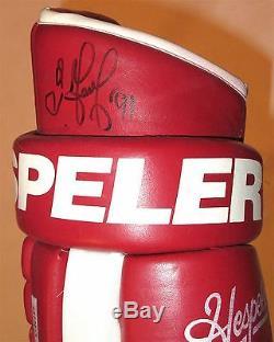 Sergei Fedorov Signé Game Utilisé Gants Usés Detroit Red Wings Hespeler