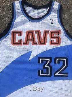 Tyrone Hill Cleveland Cavaliers Champion Portés Utilisé Autographe Jersey