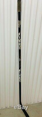Zdeno Chara Des Bruins De Boston Jeu Utilisé Autographié Bâton De Hockey VIC Auto